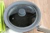 Pokrywka uniwersalna 24-26-28cm z silikonową obręczą szary marmur Fissman